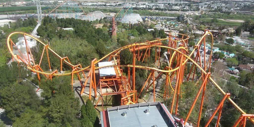 1200px-Six_Flags_Magic_Mountain_Tatsu2